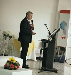 Gabriel Holand ponencia Fintech en Unipiloto en Girardot